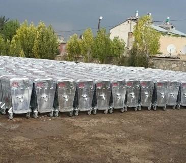 Tuşba Belediyesi'nden Çöp Konteyneri Dağıtımı